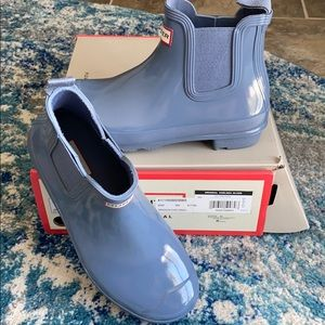 New Hunter Chelsea Gloss short boots. New with box
